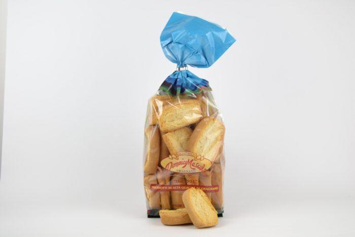 Fette di pane tostato napoletane bianche