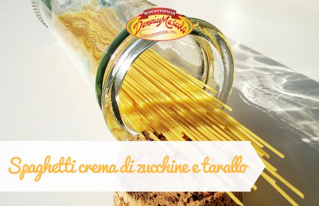 spaghetti crema di zucchine e tarallo